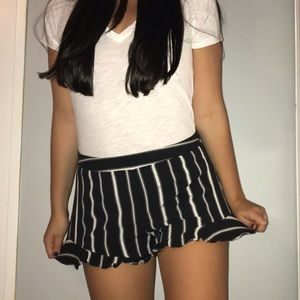 Anna Grace Black and White Stripped Shorts